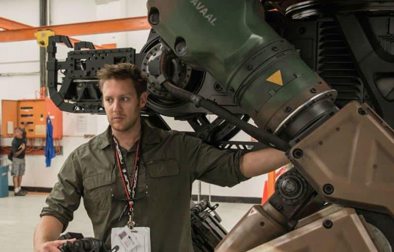 Breve analisi dell'utilizzo della fantascienza nei film di Neil Blomkamp come mezzo di critica sociale