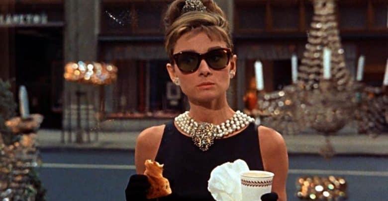 Photo of 5 curiosità su Colazione da Tiffany con Audrey Hepburn