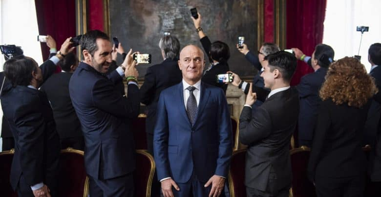 Photo of Bentornato Presidente: recensione del film con Claudio Bisio