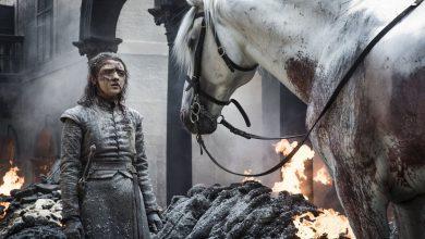 Photo of Game of Thrones: cosa significa il cavallo bianco alla fine del quinto episodio?