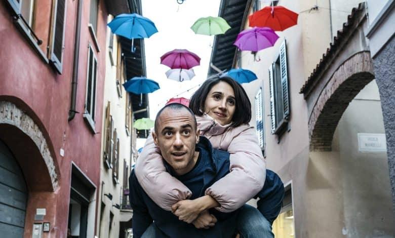 Photo of L'uomo senza gravità: recensione del film Netflix con Elio Germano