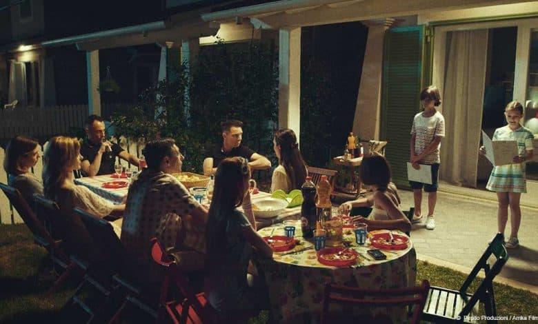 Photo of Favolacce: spiegazione e analisi del film dei fratelli D'Innocenzo