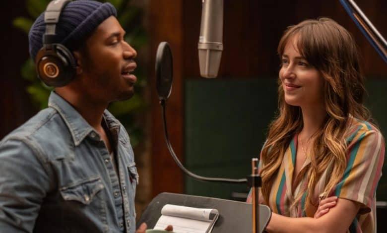 Photo of L'assistente della star: online il trailer del film con Dakota Johnson