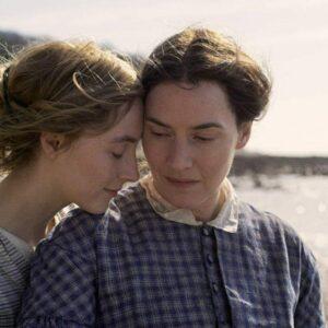 Ammonite - Sopra un'onda del mare: la recensione del film con Kate Winslet e Saoirse Ronan